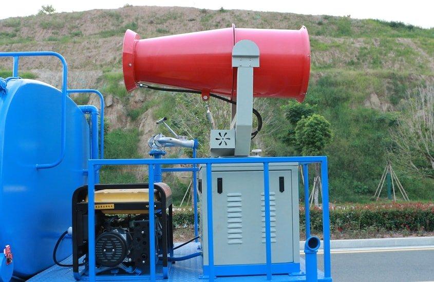 东风多利卡8吨雾炮车雾炮机组图片