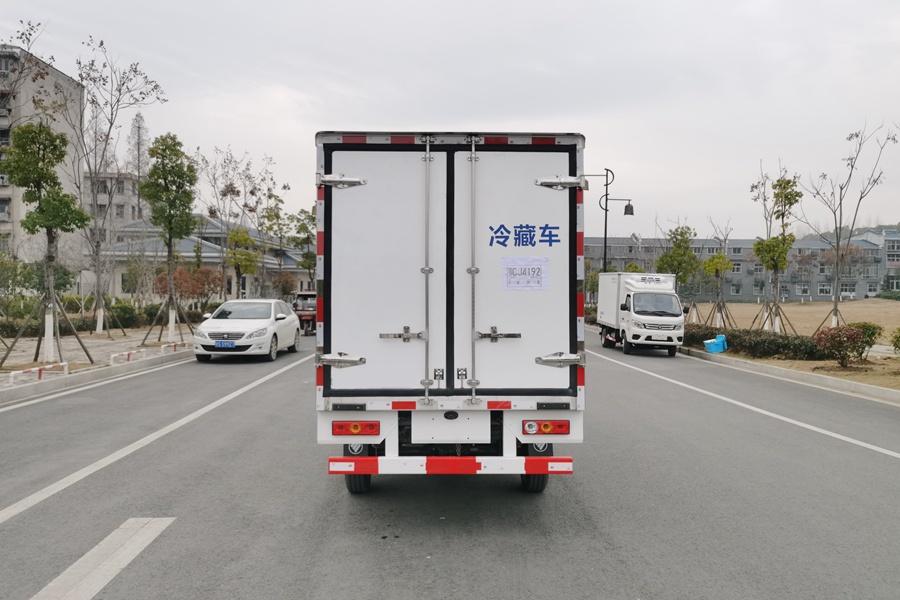 福田伽途冷藏车正后图片
