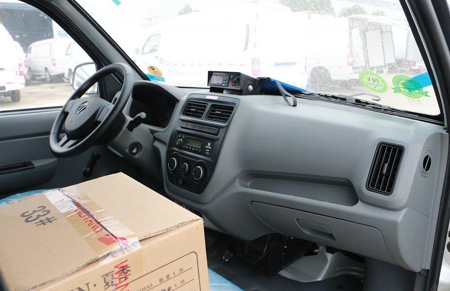 福田伽途冷藏车驾驶室图片