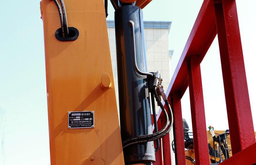 徐工10吨随车吊液压油缸图片