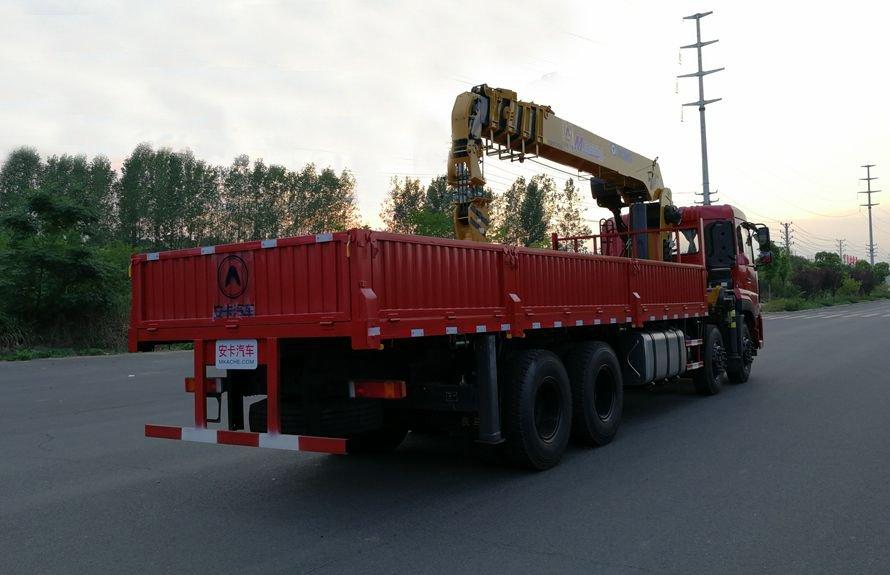 徐工14吨双联泵随车吊车尾向左图片