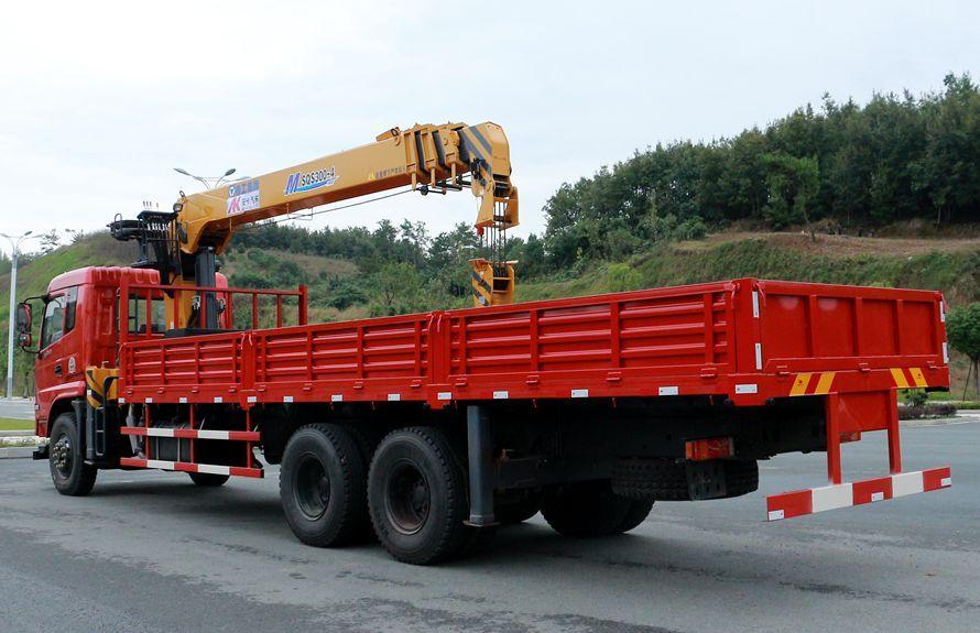 东风御龙12吨随车吊右侧45度图片