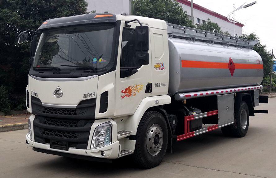 东风柳汽12吨油罐车左侧图片