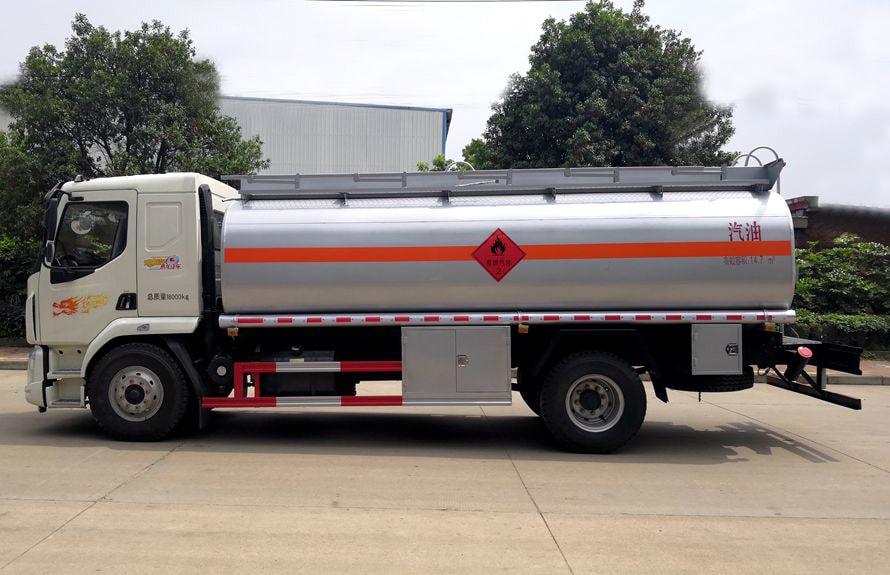 东风柳汽12吨油罐车正侧图片