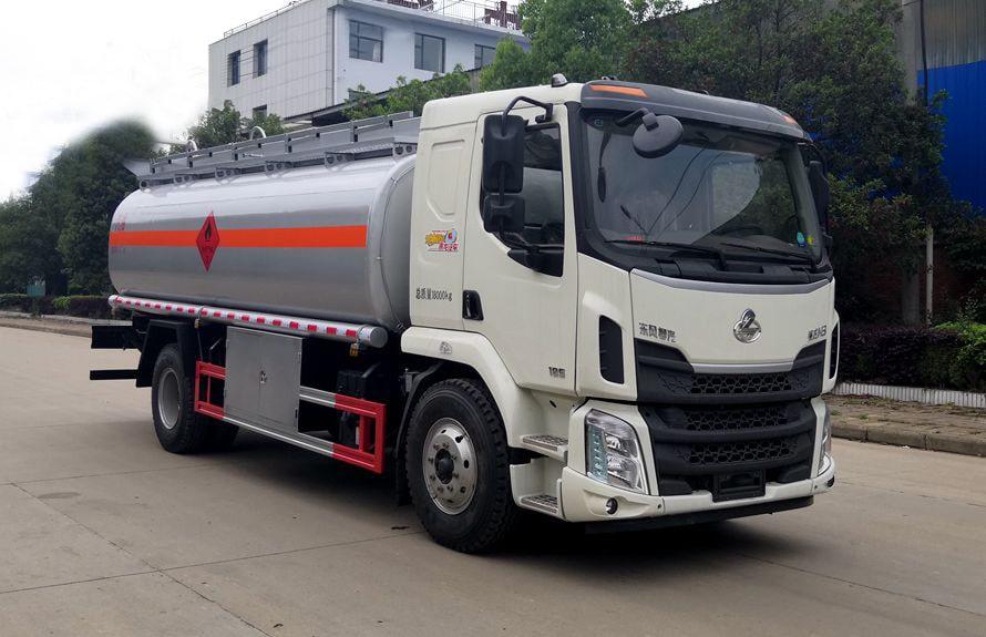 东风柳汽12吨油罐车右侧图片