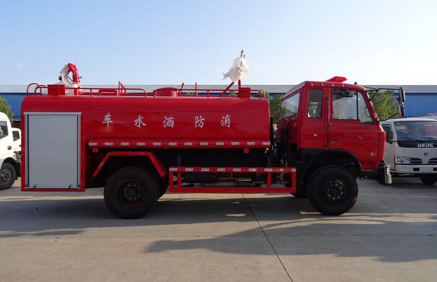 东风153消防洒水车正侧图片