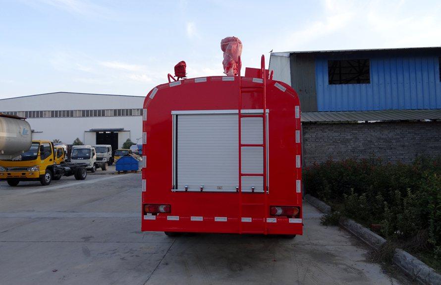 东风153消防洒水车正后图片