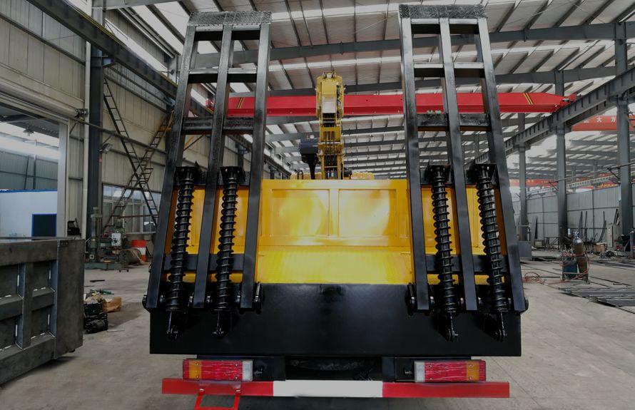 东风特商14吨随车吊平板运输车车尾图片