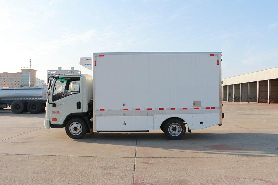大运4.2米纯电动冷藏车正侧1图片