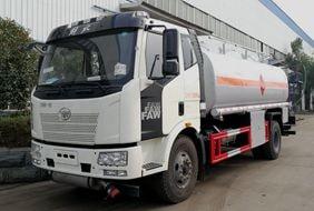 解放12吨油罐车