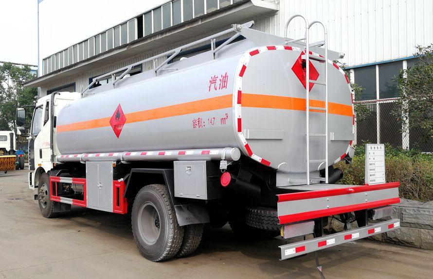 解放12吨油罐车后侧图片