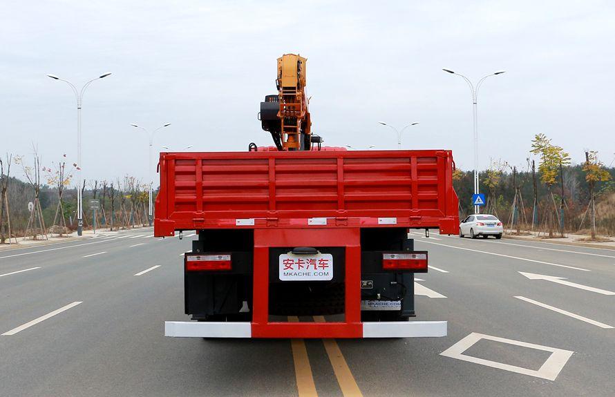 东风专底10吨随车吊车尾图片
