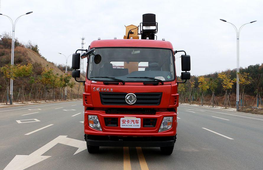 东风专底10吨随车吊车头图片