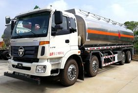 欧曼24吨铝合金油罐车