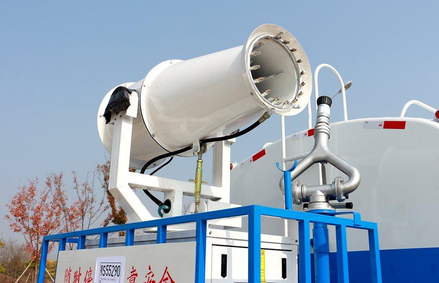 东风D9 12吨雾炮车雾炮机组图片