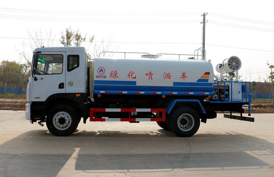 东风D9  12吨雾炮车正侧图片