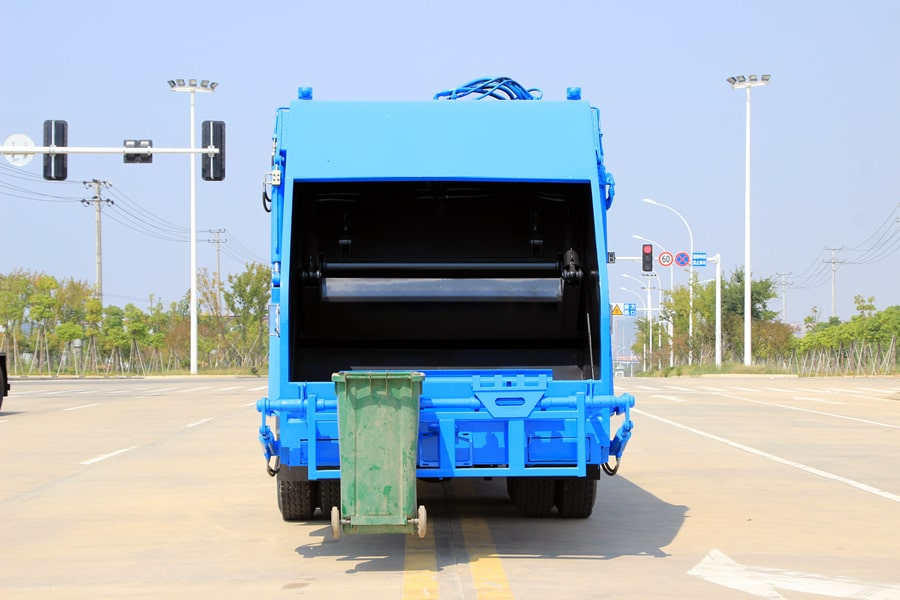 东风25吨后双桥压缩垃圾车图片(正尾部)