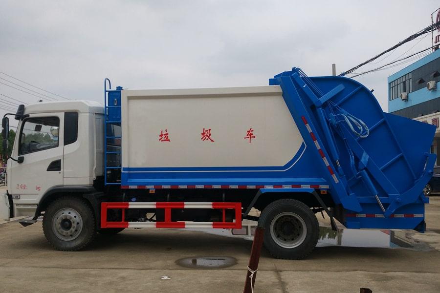 陕汽8吨压缩垃圾车图片(车头向左正侧)