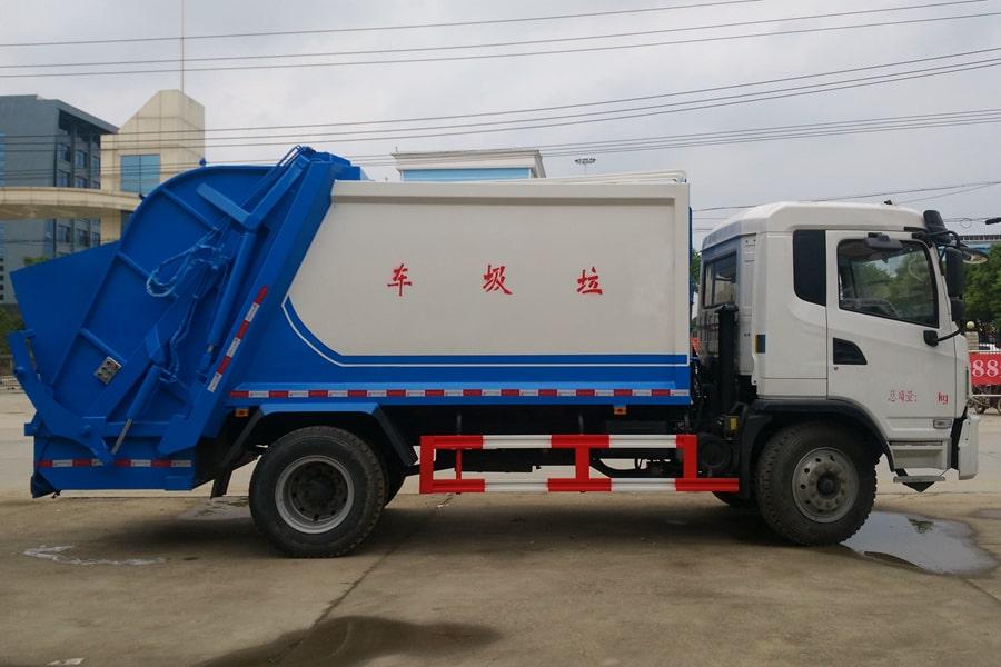 陕汽8吨压缩垃圾车图片(车头向右正侧)