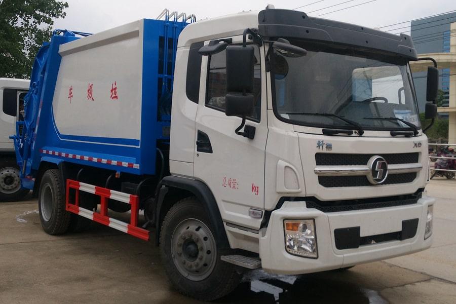 陕汽8吨压缩垃圾车图片(车头向右前45度)