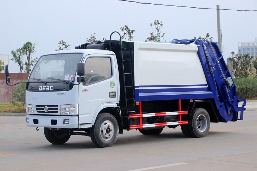 东风3吨压缩式垃圾车图片(车头向左前45度)