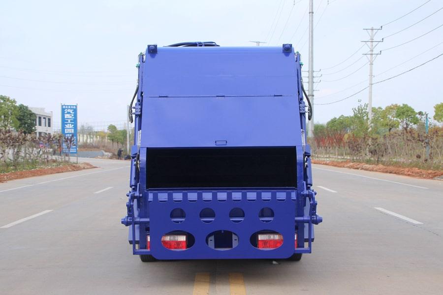 东风3吨压缩式垃圾车图片(正后)