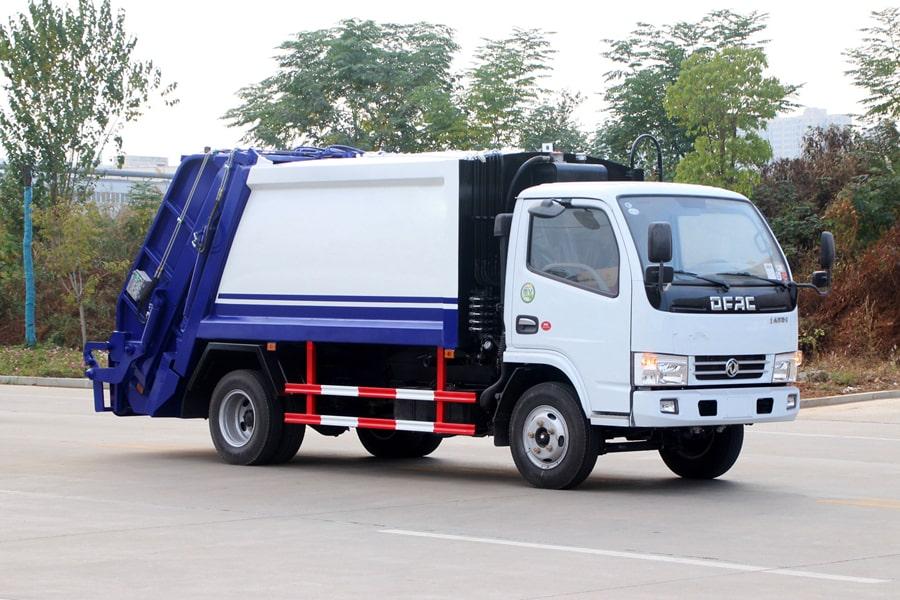 东风3吨压缩式垃圾车图片(车头向右前45度)