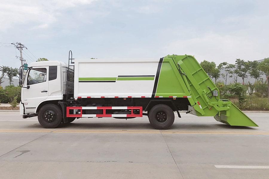 东风8吨压缩垃圾车图片(车头向左正侧)
