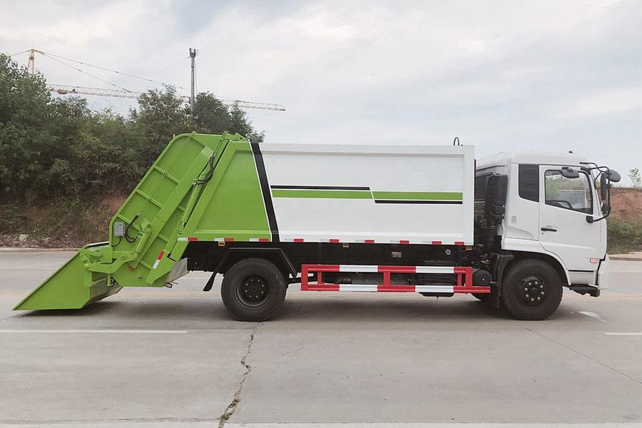 东风8吨压缩垃圾车图片(车头向右后45度)
