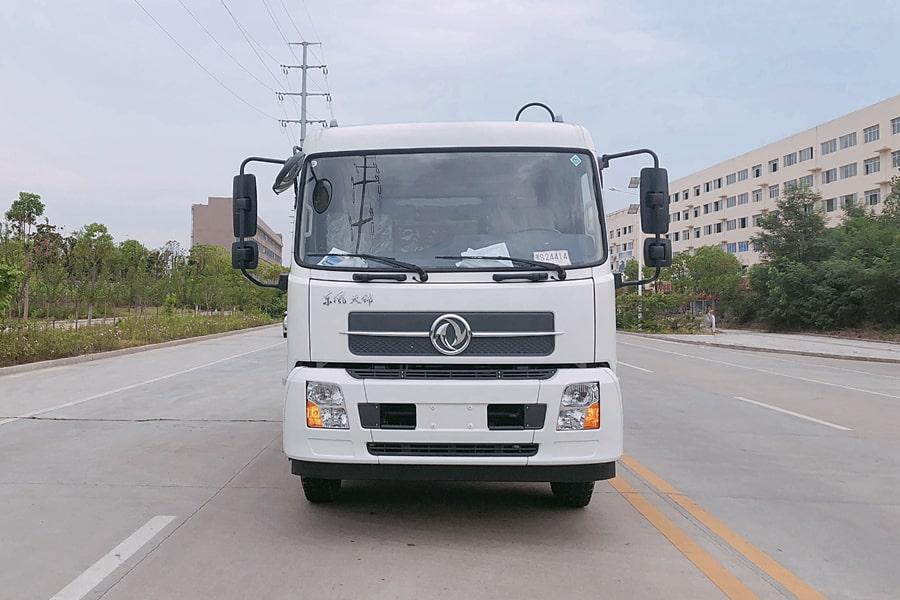 东风8吨压缩垃圾车图片(车头向右正侧)