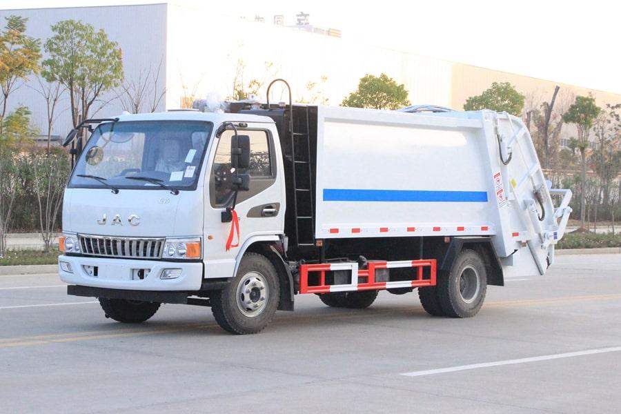 江淮5吨压缩垃圾车图片(车头向左前45度)