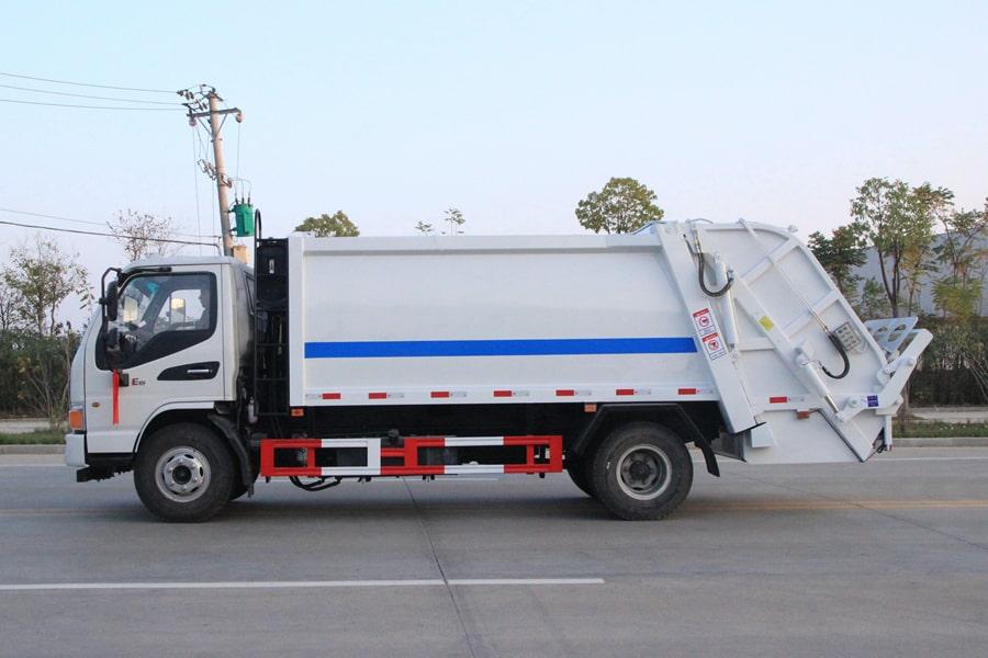 江淮5吨压缩垃圾车图片(车头向左正侧)