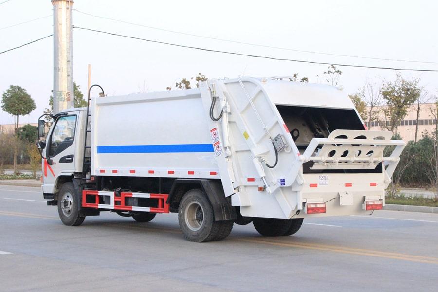 江淮5吨压缩垃圾车图片(车头向左后45度)