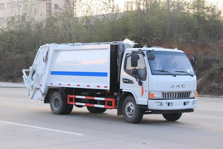 江淮5吨压缩垃圾车图片(车头向右前45度)