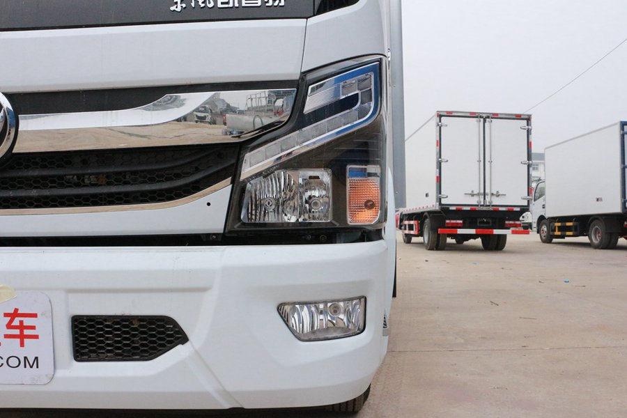 东风凯普特4.2米冷藏车大灯图片