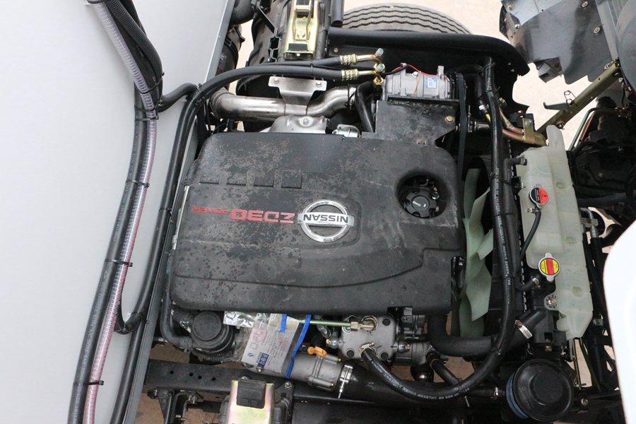 东风凯普特4.2米冷藏车尼桑发动机图片