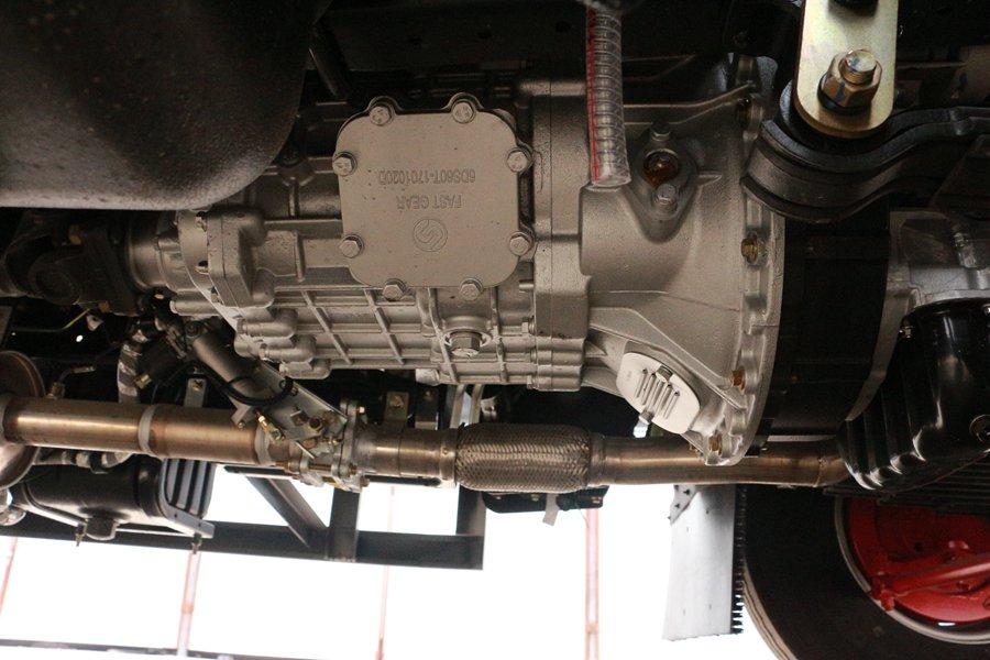 东风凯普特4.2米冷藏车铝合金变速箱图片