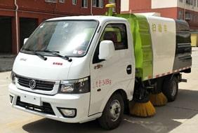 东风2吨小型扫路车
