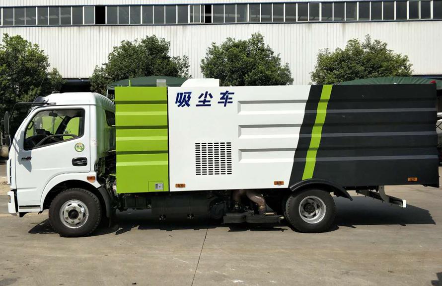 东风5吨吸尘车图片(车头向左正侧)
