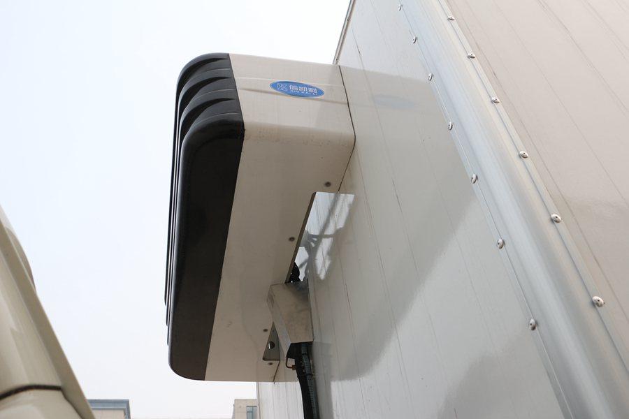 福田瑞沃6.8/7.6米冷藏车冷凝器图片