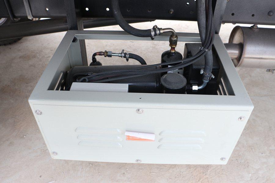 福田瑞沃6.8/7.6米冷藏车220v备电图片