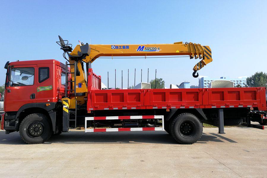 东风特商8吨双联泵随车吊正侧图片