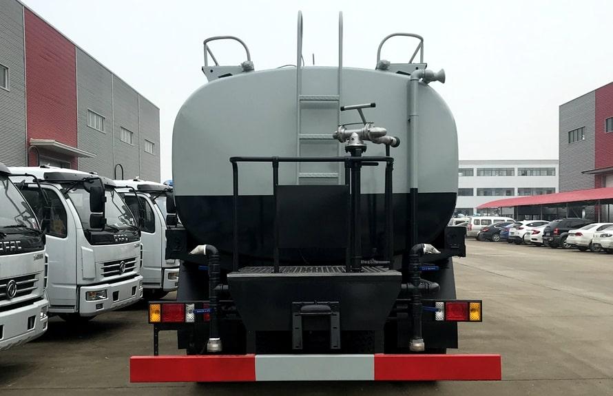 福田瑞沃12吨洒水车后侧图片