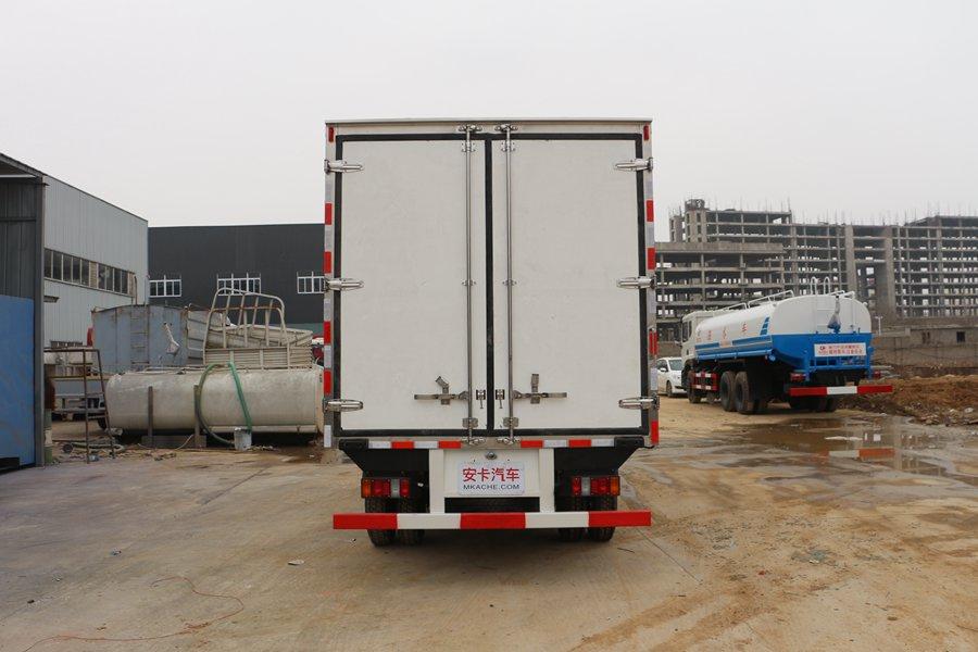 江铃顺达宽体4.2米冷藏车正后图片
