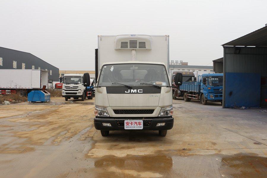 江铃顺达宽体4.2米冷藏车正前图片