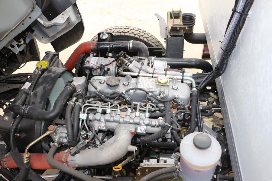 江铃顺达宽体4.2米冷藏车115马力发动机图片